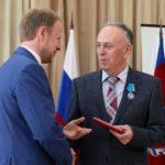 Виктор Томенко в преддверии профессионального праздника вручил государственные и краевые награды медицинским работникам